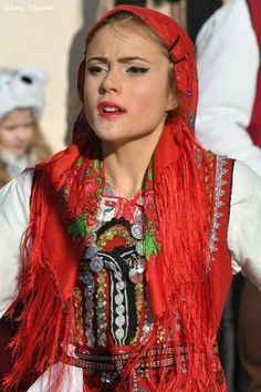 Българка / Bulgarian woman Beautiful People, Beautiful Women, Amazing People, Folk Costume, Costumes, Folk Fashion, Womens Fashion, Mileena, My Heritage
