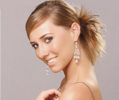 Cute Blonde Updo Hairstyles With Side Bangs For Straight Hair Hair Updos For Medium Length Hair, Up Dos For Medium Hair, Mid Length Hair, Shoulder Length Hair, Medium Hair Styles, Side Bun Hairstyles, Latest Hairstyles, Cool Hairstyles, Wedding Hairstyles