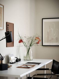 Desk Decor Ideas to Make Your Home Office. 🏘🏘 Home Decor, Home Design, Home Office Design, Home Office Decor, Office Designs, Office Ideas, Desk Inspiration, Interior Inspiration, Interior Decorating, Interior Design