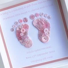 This super cute foot print button picture makes the perfect keepsake for any member of the family. You can add as many personalisations as you wish including name, date of birth and weight. The quote Little feet like these can be changed to suit your requirements. You can