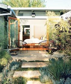 Minimal Bohemian Garden via Sycamore Street Press