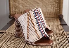 THE WOVEN MULE INSPIRED BY TRADITIONAL BASKET-WEAVING TECHNIQUES