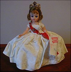 Beautiful-Queen-Cissette-Doll-1972-1186-NM-With-Box