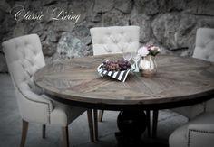 NEW YORK #spisebord fra @classicliving. Et lekkert og meget robust håndprodusert rundt spisebord. Bordplaten er laget av alm etter gamle tredører og treverket er innfelt i flott mønster. Understellet er sortmalt eller hvitmalt solid bjørk.  Pris: 6900 kr Diameter:155 cm Høyde:  76 cm  #classicliving #rundtbord #spisebord #resirukulerttre #diningroom #diningtable #interior #interiør #kitchen #livingroom