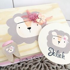 Ideas Habitaciones, Baby Boy Cards, Arte Country, Woody, Wooden Boxes, Babys, Decoupage, Kids Room, Craft Projects