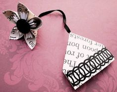Lovely little corner bookmark with flower