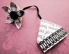 Lovely little corner bookmark with flower