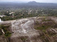 Andrew Rogers, Rhythms of Life, 2005 Kurunegala 60m x 60m 7 deg 29' 30.56 deg N 80 deg 21' 34.89 deg E