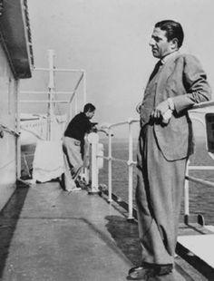 Νέα Υόρκη. Ο Αριστοτέλης Ωνάσης και ο Σταύρος Νιάρχος (~ 1950) Stavros Niarchos, Jacqueline Kennedy Onassis, Maria Callas, Vintage Rolex, Famous Men, The Good Old Days, Rare Photos, Ancient Greek, New York City