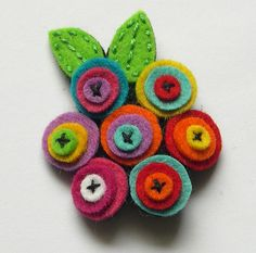 Broche flores by Lidia!!, via Flickr