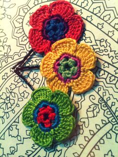 Crochet Flower Hair...  Flores a crochet para el cabello...