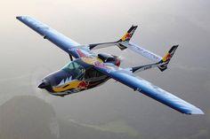 Red Bull Luftflotte - Flugzeuge & Helikopter Bild 33 - Motorsport