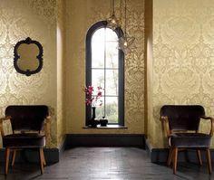 Chambre d'amis. papier peint baroque en couleur or luxueux Manus, meubles et déco assortis