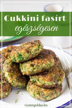 Vegan Greek zucchini fritters are a beautiful mezze dish. Traditionally, they contain eggs and feta, but we've managed to veganise ours to . Vegetarian Recepies, Healthy Recepies, Veggie Recipes, Healthy Dinner Recipes, Healthy Snacks, Cooking Recipes, Smoothie Fruit, Vegan Greek, Hungarian Recipes