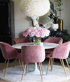 Apaixonada por esse ambiente essas cadeiras (e pelo insta @baremalin) #decorismo