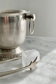 This is a real cute little ice bucket with tongs, perfect for the drinks tray.  A beautiful, smooth, bucket on pedestal with ring handles & and a chicken claw ice tong. Drinks Tray, Ice Tongs, Pedestal, Silver Plate, Bucket, Smooth, Chicken, Ring, Cool Stuff