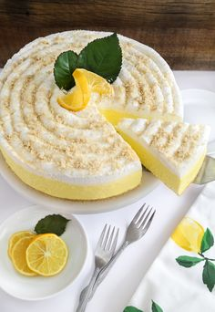 Bake This, Wear That! Lemon Cheesecake Edition and Apron Giveaway - Baking Recipes Lemon Cheesecake Recipes, Lemon Desserts, Lemon Recipes, No Bake Desserts, Just Desserts, Sweet Recipes, Baking Recipes, Delicious Desserts, Dessert Recipes