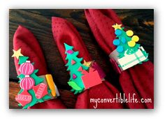 Let kids make napkin rings out of cardboard tubes (from toilet paper or paper towels) and puffy stickers