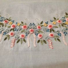 Resultado de imagem para bullion stitch embroidery from roses to wildflowers Bullion Embroidery, Hand Embroidery Stitches, Silk Ribbon Embroidery, Hand Embroidery Designs, Beaded Embroidery, Embroidery Patterns, Machine Embroidery, Embroidery On Kurtis, Embroidered Roses
