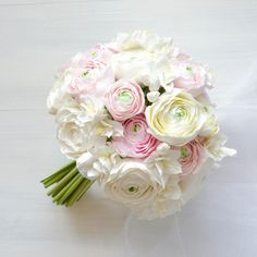 White Ranunculus Wedding Bouquet #oriflowers #weddings #bridalbouquet