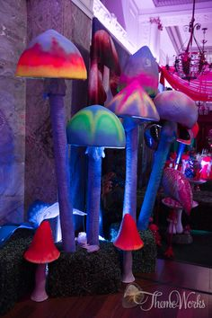 Love these painted toadstools for an alice in wonderland theme