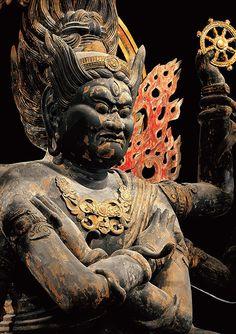 特別展「国宝 東寺-空海と仏像曼荼羅」|みどころ|第四章(2) 15本の立体曼荼羅 Lion Sculpture, Statue, Sculptures, Sculpture