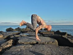 Guest post from Al Kavadlo of AlKavadlo.com. Al has a new book out Stretching Your Boundaries – Flexibility Training for Extreme Calisthenic Strength that's well worth a look.