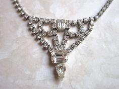 Gorgeous vintage clear crystal rhinestone necklace - estate jewelry by VintageJewelryetal on Etsy https://www.etsy.com/listing/504339016/gorgeous-vintage-clear-crystal