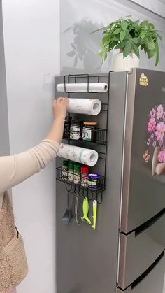 Cool Kitchen Gadgets, Home Gadgets, Kitchen Hacks, Cool Kitchens, Kitchen Stuff, Diy Kitchen Storage, Home Decor Kitchen, Diy Home Decor, Room Decor