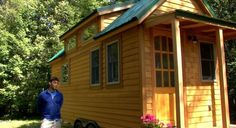 newlyweds tiny house on wheels 600x326   Newlyweds Build 160 Sq. Ft. Tiny Home For Themselves