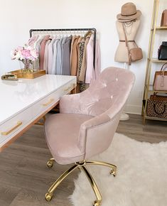 Gold Room Decor, Gold Rooms, Bedroom Decor, Home Office Chairs, Home Office Decor, Pink Office Decor, Best Office Chair, Feminine Office, Stylish Office