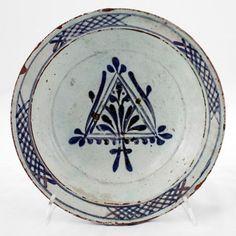 DISH Late century h.: 6 cm d. Henna Body Art, Turkish Tiles, Arabesque, 18th Century, Flower Designs, Renaissance, Stoneware, Medieval, Decorative Plates
