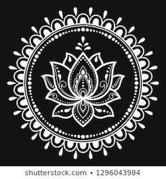 Circular pattern in form of mandala with Lotus flower for Henna Mehndi tattoo decoration. Decorative ornament in ethnic oriental style. Mandala Doodle, Mandala Art Lesson, Mandala Drawing, Mandala Lotus Flower, Mandala Dots, Mandala Pattern, Lotus Mandala Design, Free Hand Rangoli Design, Rangoli Border Designs