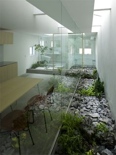 Bringing Outdoors Indoors. House in Moriyama, #Moriyama, #Nagoya, 2009 by suppose design office
