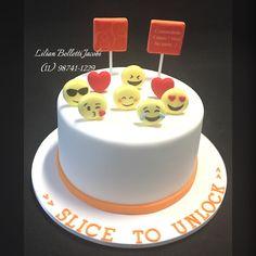 Baunilha com doce de leite para Banco Itaú. Inspirado em imagem do Google!  #bolo #bolodecorado #cursodebolos #cake #cakestagram #cakedesign #insta #instabolo #instagram #instacake #emoji #itaú
