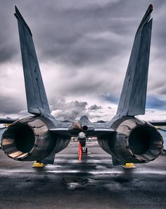 Aviation wallpapers, aviation hd wallpapers, aviation desktop backgrounds, Grumman F-14 Tomcat See more #military aviation pics www.fabuloussavers.com/wusair9.shtml Thank you for viewing!
