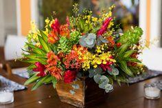 Casamento na praia: arranjo floral da festa