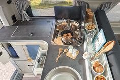 Nugget Aufstelldach | Westfalia Mobil GmbH Ford Nugget, Ford Transit Custom, Pop Up, Make It Yourself, Ideas, Campervan Interior, Airstream Trailers, Frugal, Rolling Stock