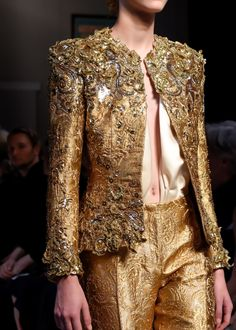 dilek-hanif:  vogue-is-viral:  Schiaparelli Couture Fall 2015 ~ details  ~ETS #gold