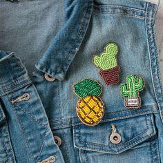 Броши ручной работы. Ярмарка Мастеров - ручная работа. Купить Комплект брошей из бисера. Брошь кактус, брошь ананас. Handmade.