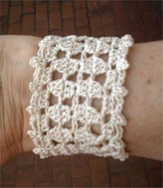 Ravelry: Lace bracelet 2 pattern by Lia Govers...free pattern! ..BEAUTIFUL!!!