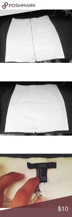 Forever 21 White Zip Up Skirt *Price is negotiable - if you want to make an offer! :)* Forever 21 Zip Up White Skirt Size Small Forever 21 Skirts Mini