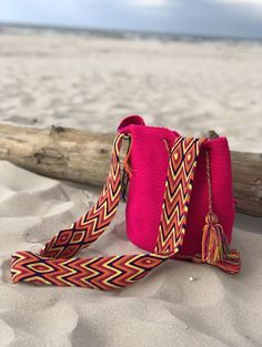 Greetings from the dunes of Łeba. 📸 who won our last contest exploring beaches of the Polish coast. Crochet Bags, Crochet Crafts, Inkle Loom, Knit Art, Boho Inspiration, The Dunes, Paper Quilling, Weaving, Bangles