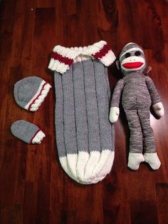 ideas for crochet baby blanket boy free ravelry Sock Monkey Pattern, Sock Monkey Baby, Baby Hat Knitting Pattern, Baby Hat Patterns, Bag Pattern Free, Knitting Socks, Baby Bunting Bag, Baby Sack, Baby Boy Crochet Blanket