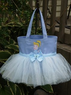 Tulle totes