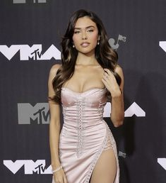 Madison Beer Style, Strapless Dress Formal, Formal Dresses, Nice Dresses, Lady And Gentlemen, Girl Crushes, 90s Fashion, Fashion Trends, Beautiful Dresses