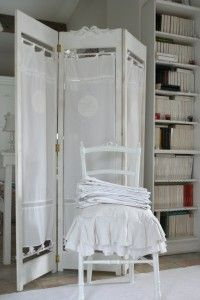 Shabby and Charme: Gustavian shabby chic Dressing Screen, Shaby Chic, Home And Deco, Decoration, Decorating Tips, Home Office, Farmhouse Decor, Folding Screens, Inspiration