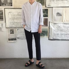 casual mens fashion looks trendy . Mens Fashion 2018, Korean Fashion Men, Korean Men, Boy Fashion, Sandals Men Fashion, Fashion Guide, Fashion Dresses, Korean Outfits, Trendy Outfits