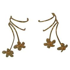 Sterling Silver Pierceless Left Right Two Flowers Ear Cuff Wrap Earrings Set *** Check this awesome product by going to the link at the image. (This is an affiliate link and I receive a commission for the sales) Silver Ear Cuff, Jewelry Boards, Cuff Earrings, Latest Jewellery, Modern Jewelry, Jewelry Stores, Earring Set, Sterling Silver Jewelry, Hair Accessories