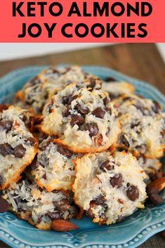 Keto Almond Joy Cookies - Keto for beginners Cookies Almond Joy, Keto Cookies, Low Carb Desserts, Low Carb Recipes, Free Recipes, The Bo, Pinwheel Cookies, Keto Food List, Low Carb Keto